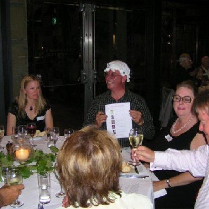 EH_2006_Annual_Dinner_017-261-500-330-90